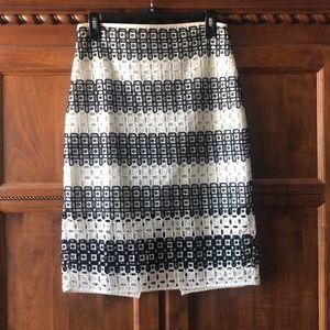 Banana Republic black and ivory eyelet skirt